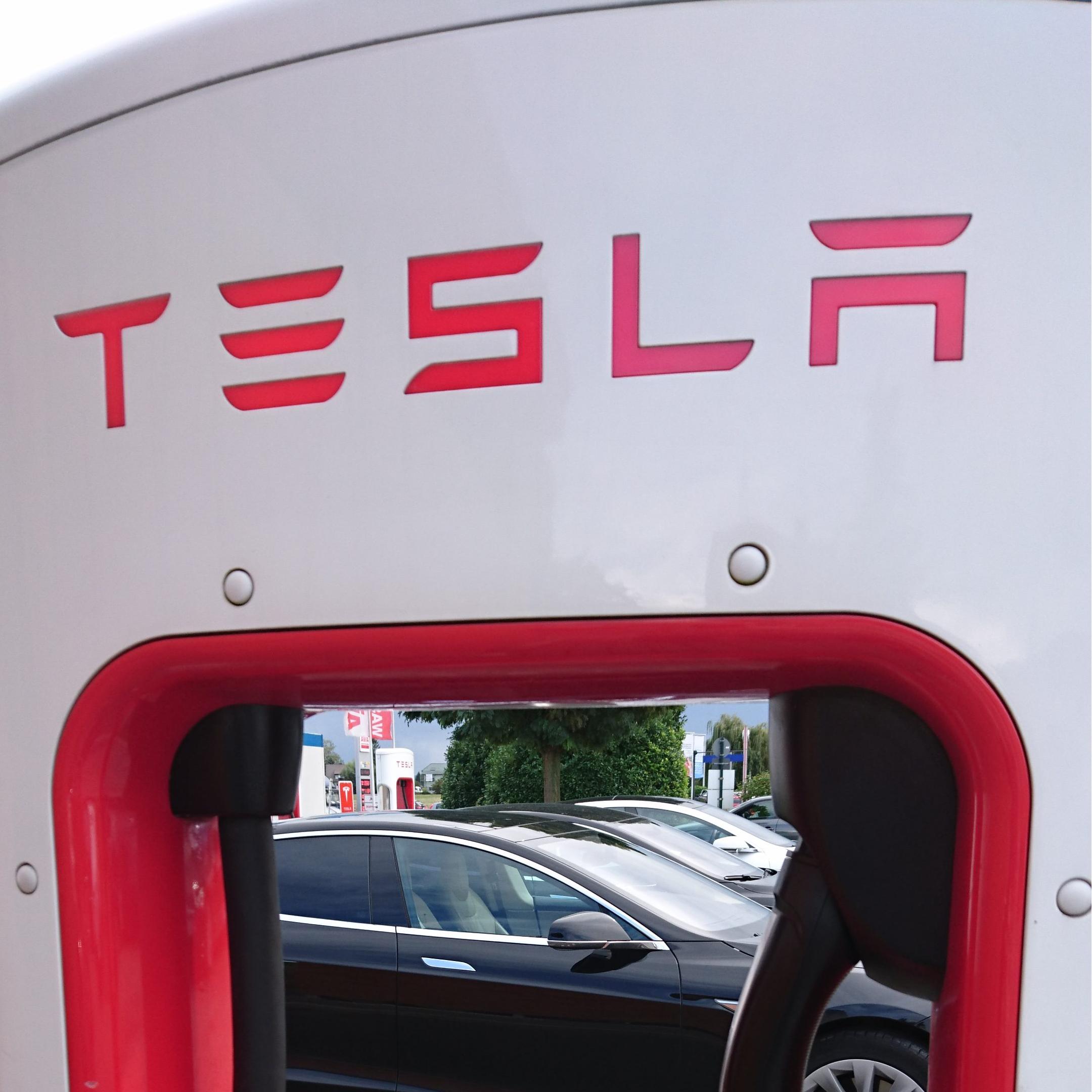 Rückforderung der Kaufprämie von Tesla-Kunden vor dem 6. März 2018