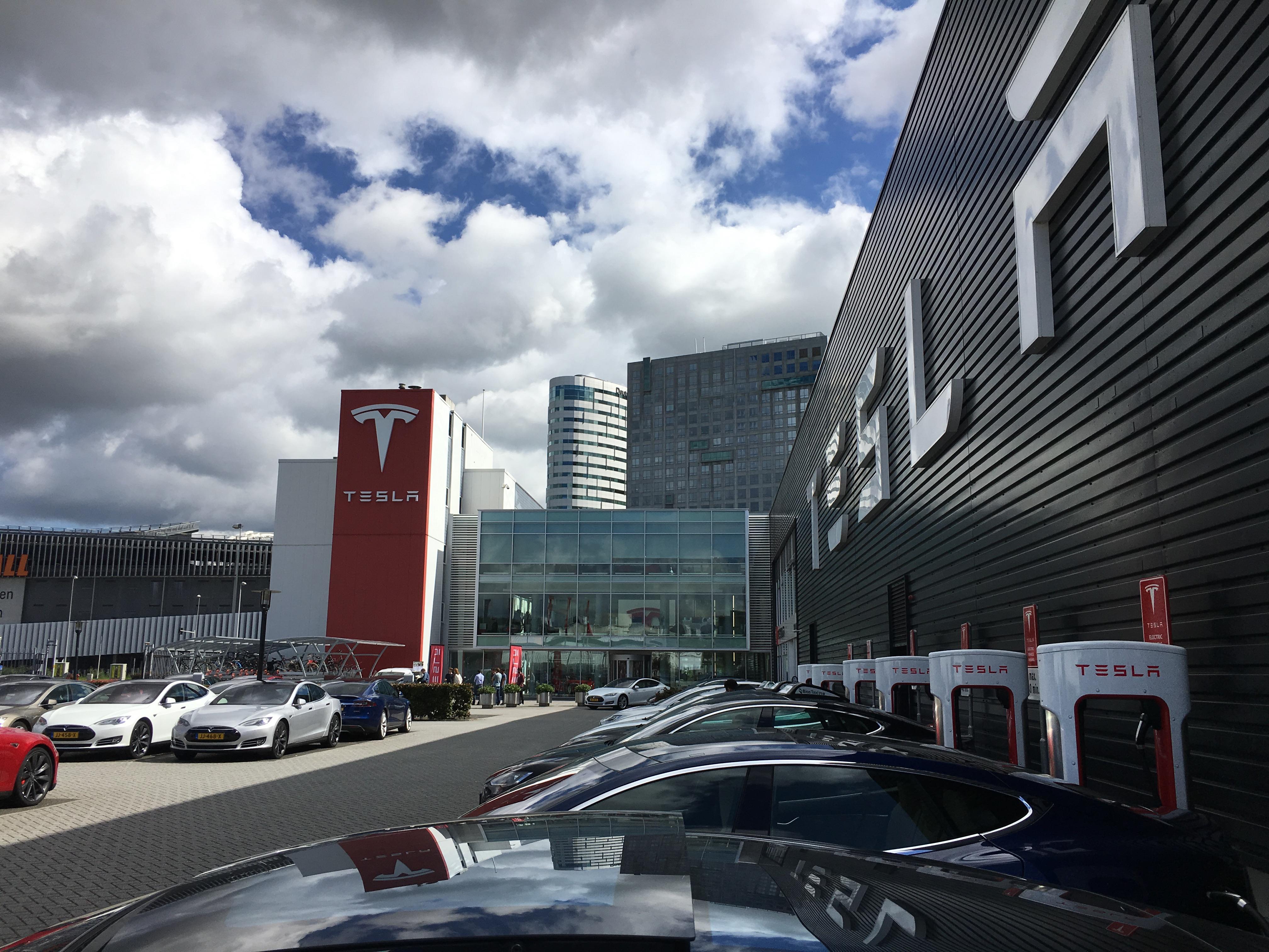 Zum angedachten Börsenabgang von Tesla