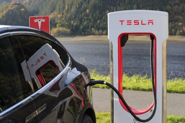 Model S & X laden ab jetzt mit 250 kW am Supercharger (Update)