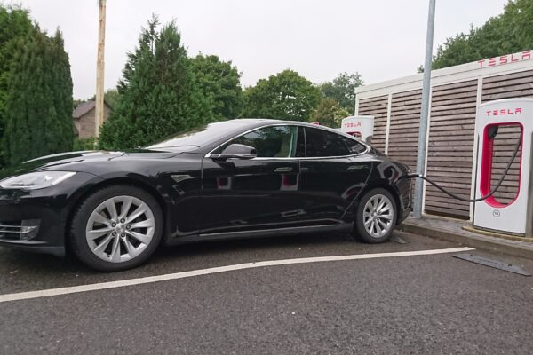 Datenquelle Tesla