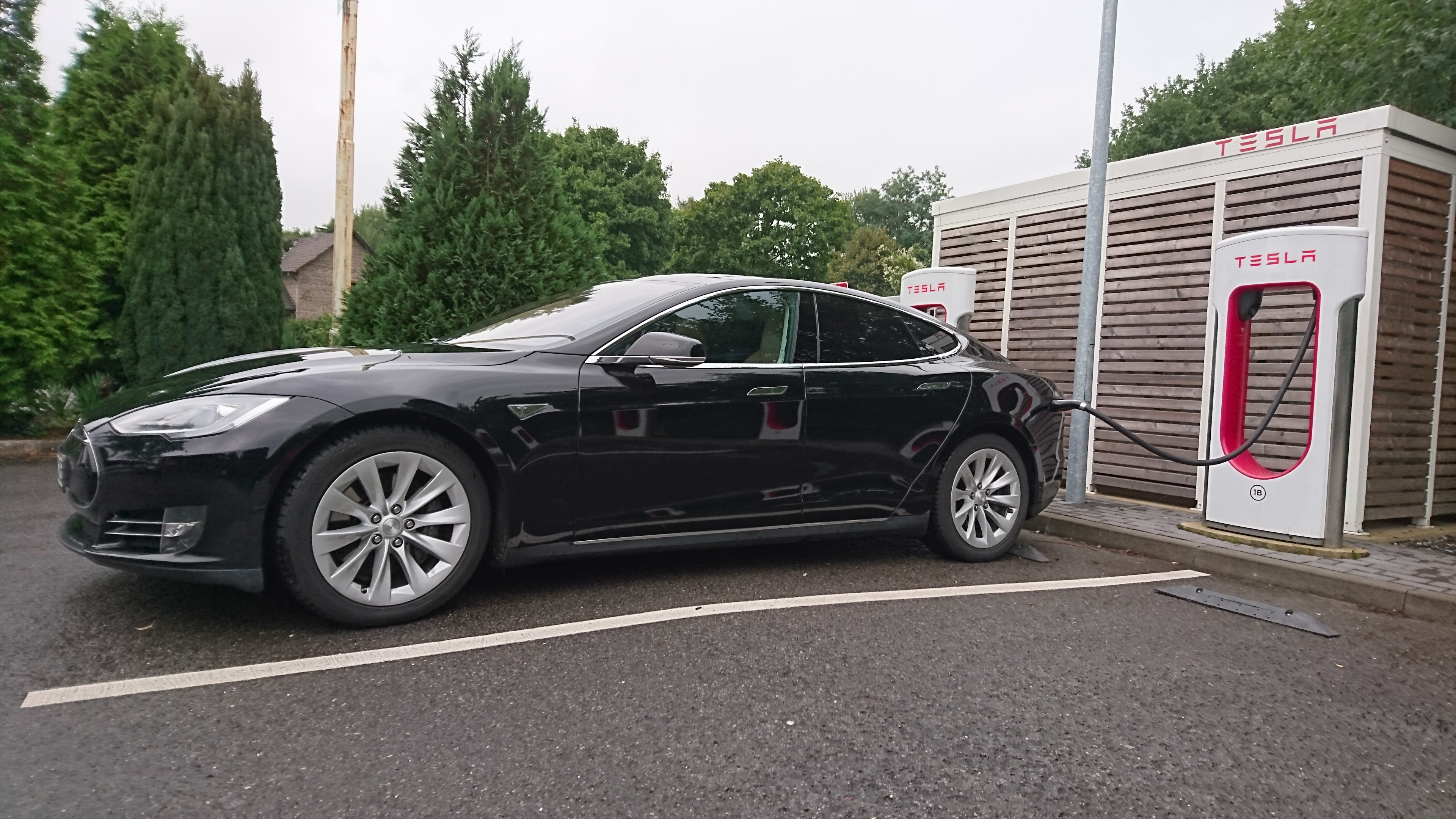 Tesla vor dem Börsen-Aus?