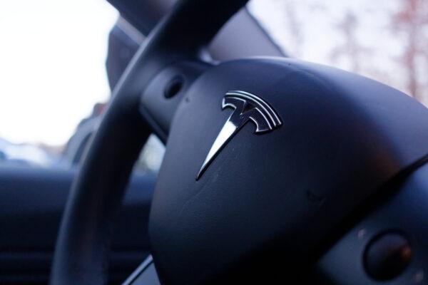 Tesla splittet Aktien