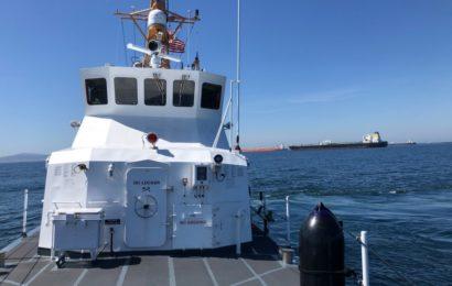27 Öltanker warten vor der Küste Kaliforniens