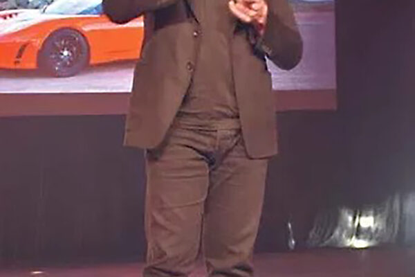 Musk kündigt Verlegung des Hauptsitzes von Tesla an
