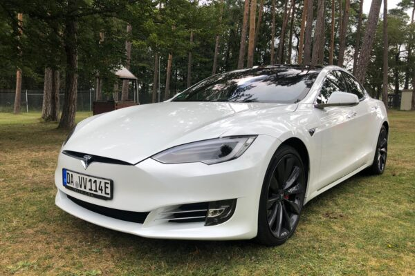 T wie Tesla