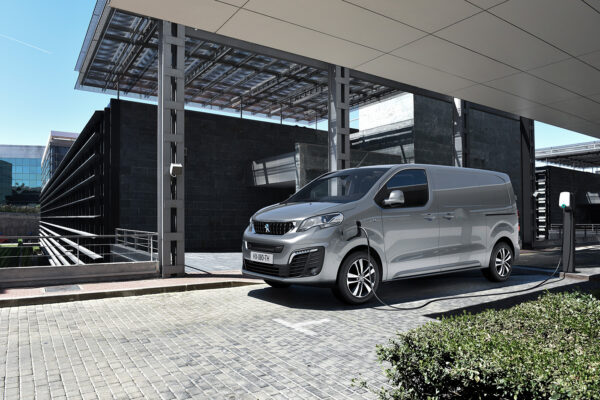 Neuer Peugeot e-Expert ab sofort bestellbar