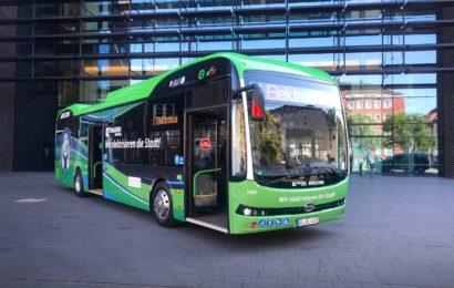 BYD startet Auslieferung von 22 E-Bussen nach Deutschland