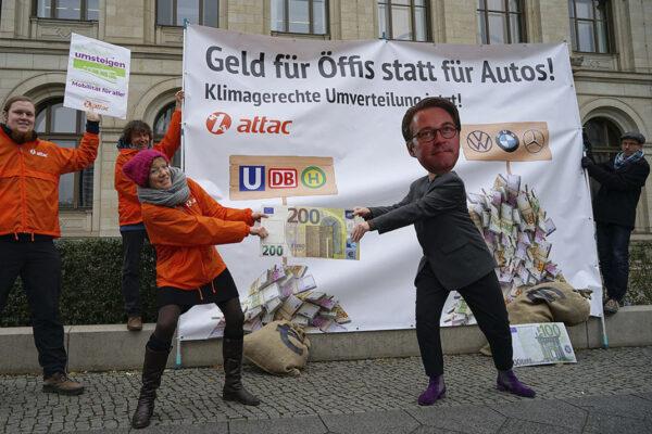 NGOs: Bundesregierung muss Autogipfel absagen