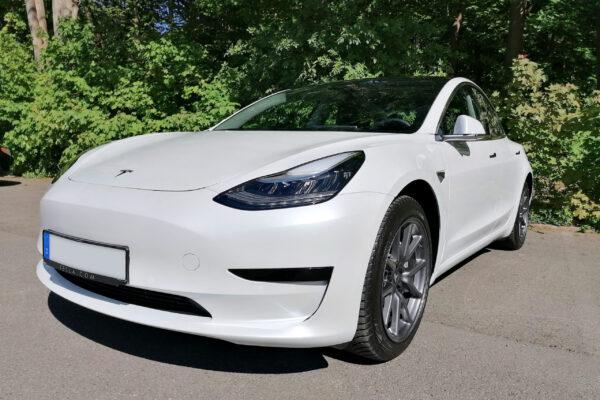 Tesla senkt Preise für das Model 3