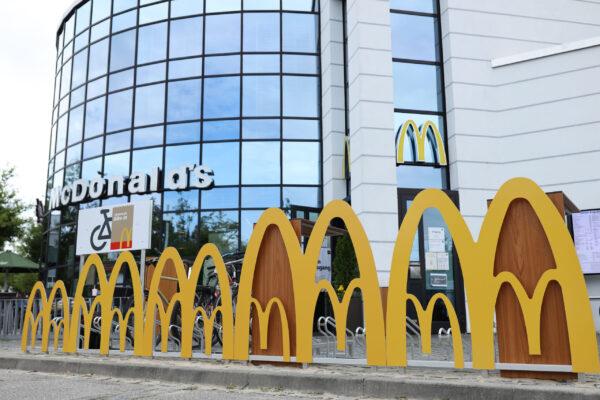 McDonald's plant an 1.054 Filialen Schnellladesäulen bis 2025