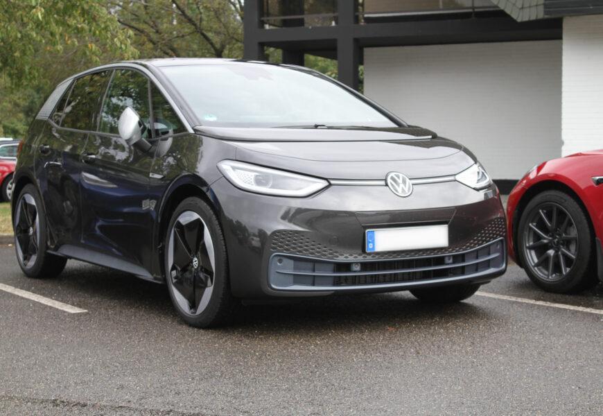 Globale Zulassung von E-Autos weiter auf Hochtour im Oktober