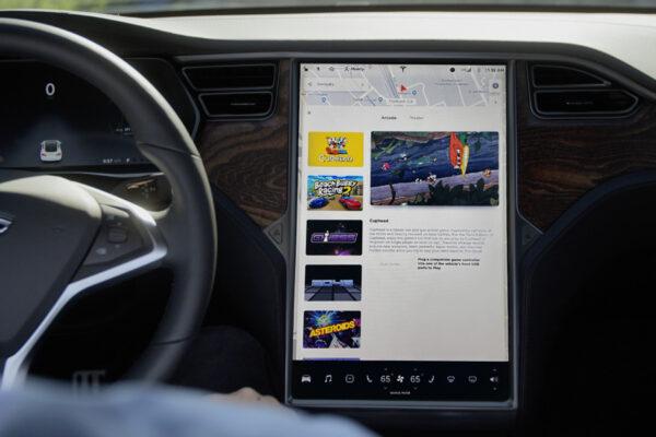 Tesla senkt Preise für Infotainment-Upgrade um über 1.000 Euro
