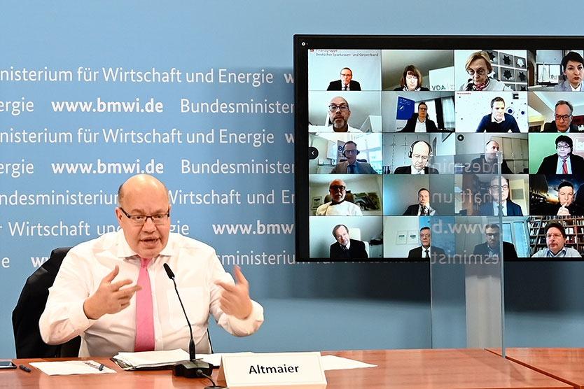 BMWi startet Förderung neuer Technologien in der Autobranche