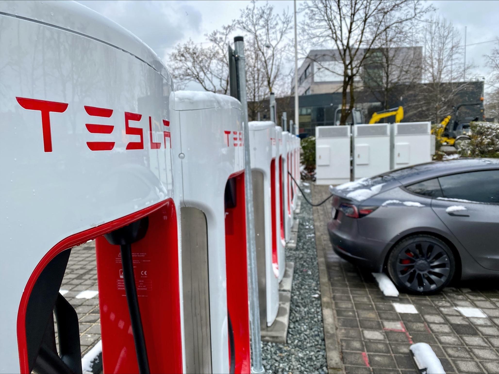 Tesla OEZ