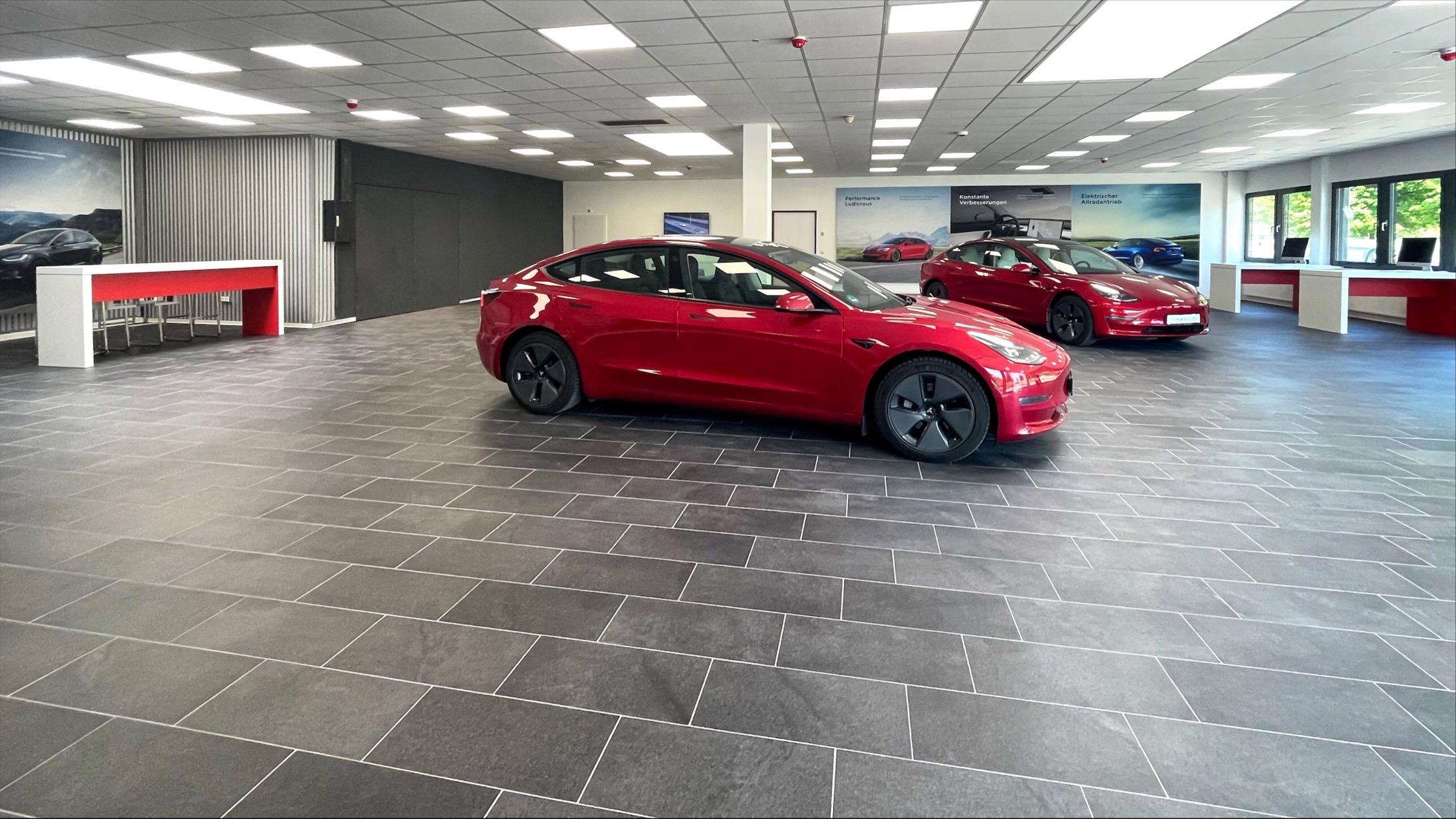 Tesla Rostock Showroo