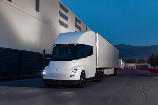Tesla Semi Truck: Produktionsstart steht unmittelbar bevor
