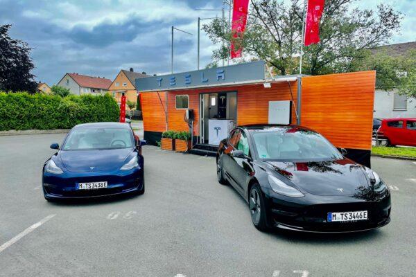 Tesla eröffnet Standort Bielefeld mit Pop-up Store