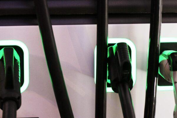 Monopolkommission bestätigt Behörden-Versagen im Bereich Elektromobilität