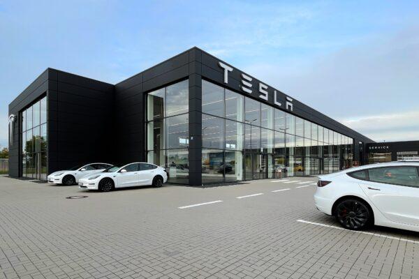Tesla Center Regensburg offiziell eröffnet