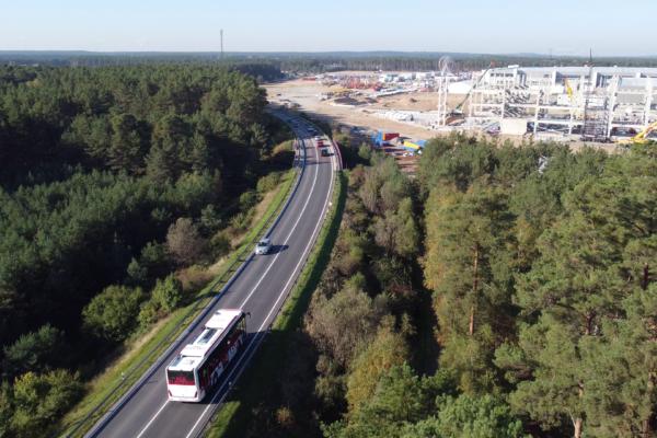 Elektrischer Linienbus als Shuttle von Salzburg zum Gigafest